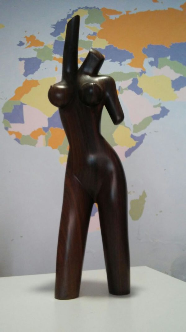 Busto desnudo de mujer